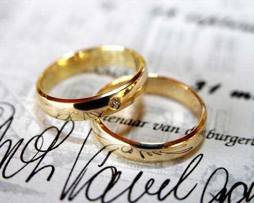 Menikah Ternyata Mengurangi Risiko Kematian Akibat Kanker!!